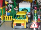 lego-city-4435-car-and-camper-ibrickcity-15