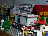 lego-city-4435-car-and-camper-ibrickcity-19