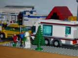 lego-city-4435-car-and-camper-ibrickcity-20
