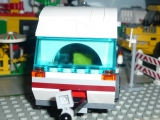lego-city-4435-car-and-camper-ibrickcity-5