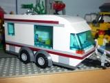 lego-city-4435-car-and-camper-ibrickcity-6