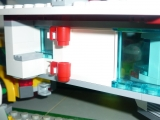 lego-city-4435-car-and-camper-ibrickcity-7