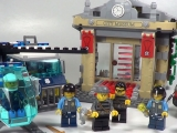lego-60008-city-museum-break-in-ibrickcity-13