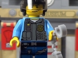 lego-60008-city-museum-break-in-ibrickcity-16