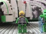 lego-70704-galaxy-squad-vermin-vaporizer-ibrickcity-human