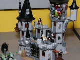lego-monster-fighters-9468-vampyre-castle-ibrickcity-2