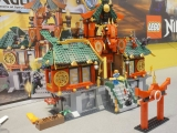lego-battle-for-ninjago-city-70728-4