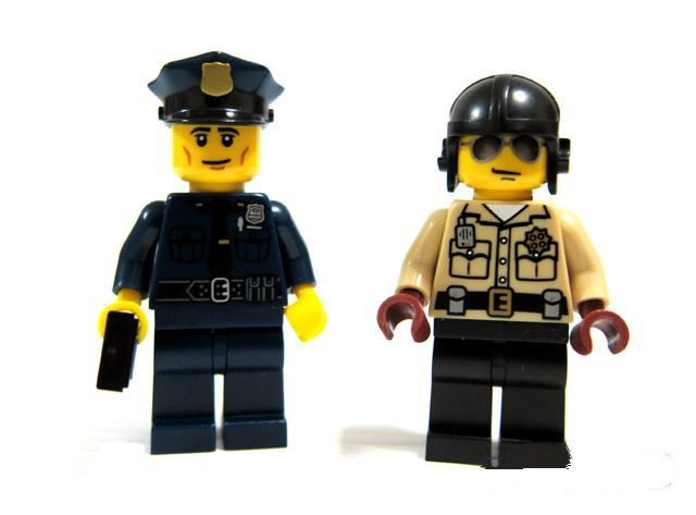 Lego Monster Fighters Werewolf additionally Lego Super Heroes Dynamic Duo Funhouse Escape Ibrickcity likewise Marvel Logo also Lego Ewok Village Wicket Minifigure together with Lego City Helicopter Arrest Ibrickcity. on lego monster fighters sets