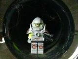lego-series-9-minifigures-alien-avenger-35