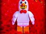 lego-series-9-minifigures-chicken-suit-guy-42