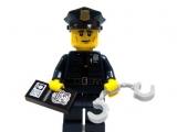 lego-series-9-minifigures-policeman-31
