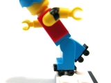 lego-series-9-minifigures-roller-derby-girl-13