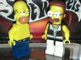 lego-simpsons-mini-figures-homer-simpson-net-flanders-1