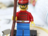 lego-mini-figures-encyclopedia-2013-toy-soldier