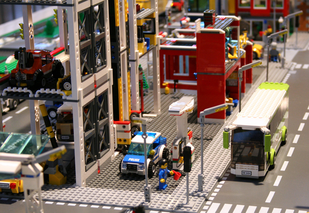 Lego City 4207 Car Parkgarage Preview I Brick City