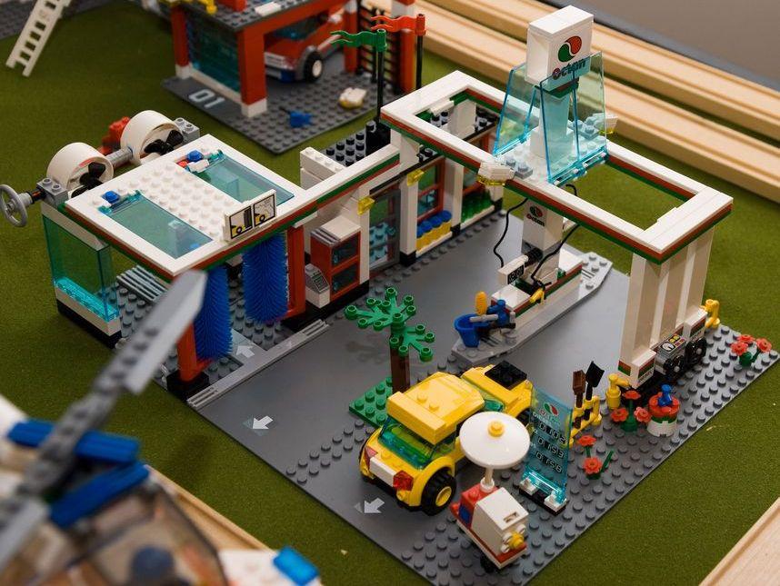 lego city 7993 service station i brick city. Black Bedroom Furniture Sets. Home Design Ideas