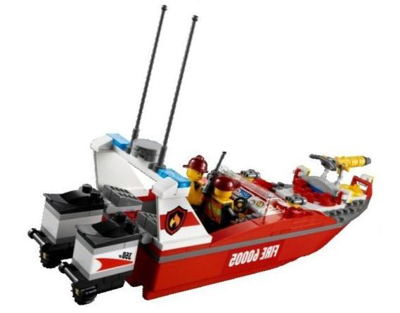 lego 60005 city fire boat ibrickcity 2 Lego 60005 City – Fire Boat