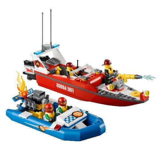 lego 60005 city fire boat ibrickcity 5 Lego 60005 City – Fire Boat
