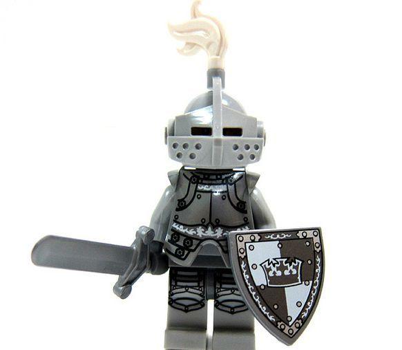 lego-series-9-minifigures-Heroic-Knight-17.jpg