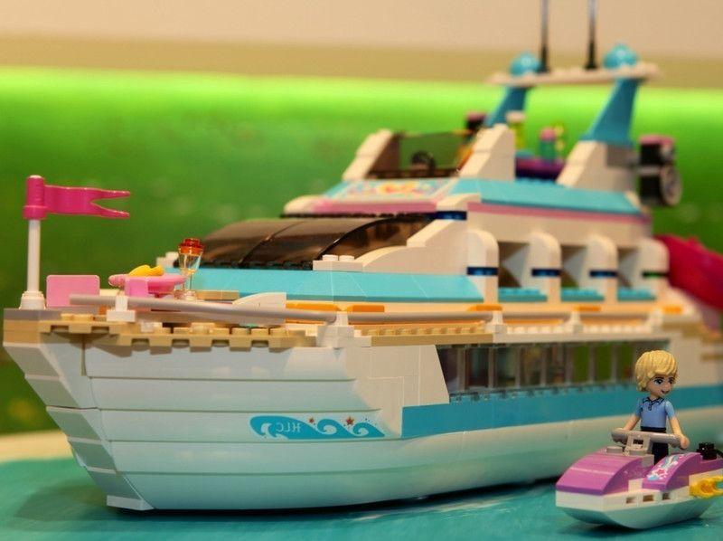 Lego 41015 Dolphin Cruiser friends ibrickcity ship 1 Lego 41015   Dolphin Cruiser