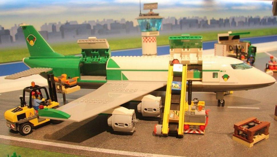 Lego 60022 Cargo Terminal city ibrickcity 3 Lego 60022   Cargo Terminal  updated