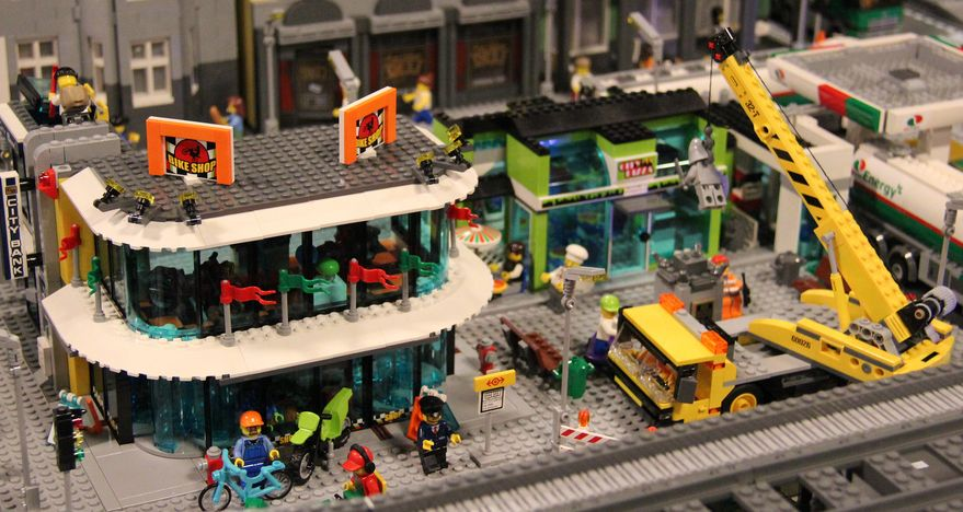 Lego 60026 Town Square city ibrickcity 10 Lego 60026 – Town Square