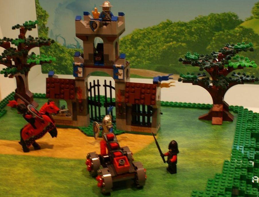 Lego 70402 The Gatehouse Raid I Brick City
