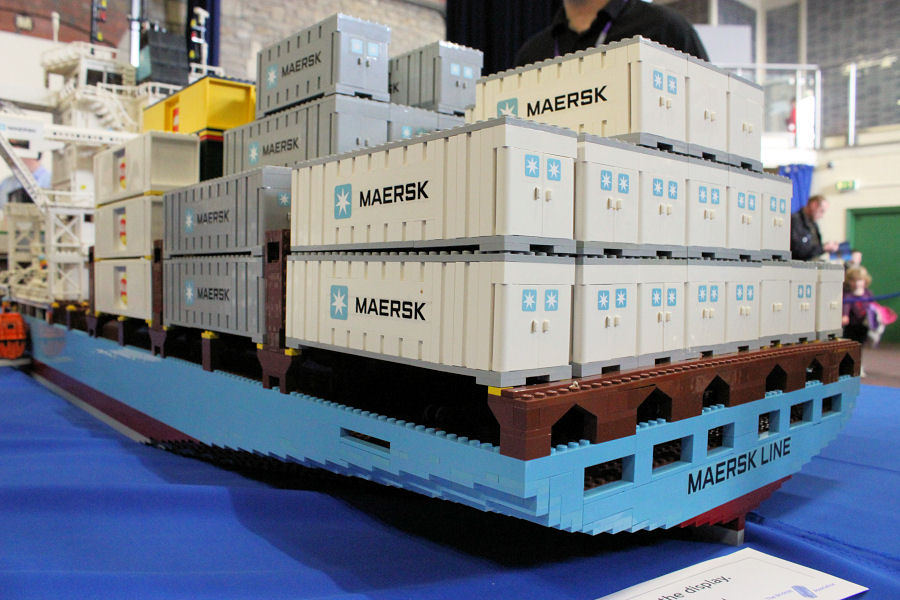 Worlds Largest Cruise Ship Oasis Of The Seas 10241 maersk maersk ship lego maersk lego 10241 ship container ...