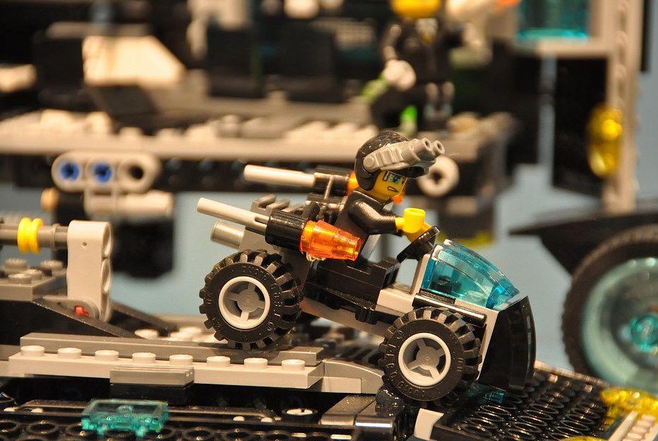 Lego Ultra Agents – A few shots about the new sets | i ... | 932 x 624 jpeg 108kB