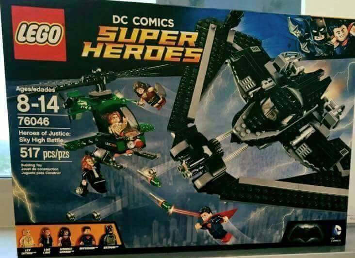 Lego-76046-Heroes-of-Justice-Sky-High-Battle-super-heroes
