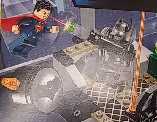Lego-76044-Clash-of-the Heroes-super-heroes-cd-comics-1