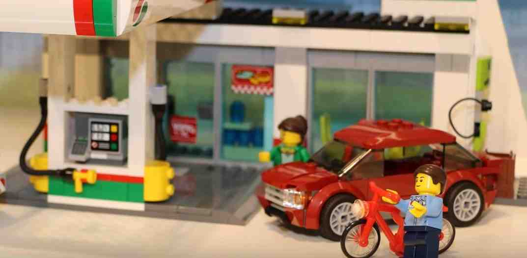 Lego-60132-Gas -Station-city--4