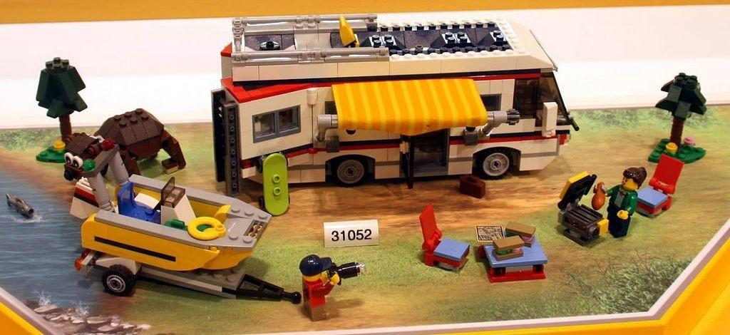 Lego-31052-Vacation-Getaways-creator-1