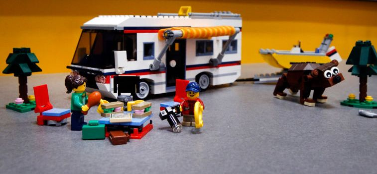 Lego-31052-Vacation-Getaways-creator
