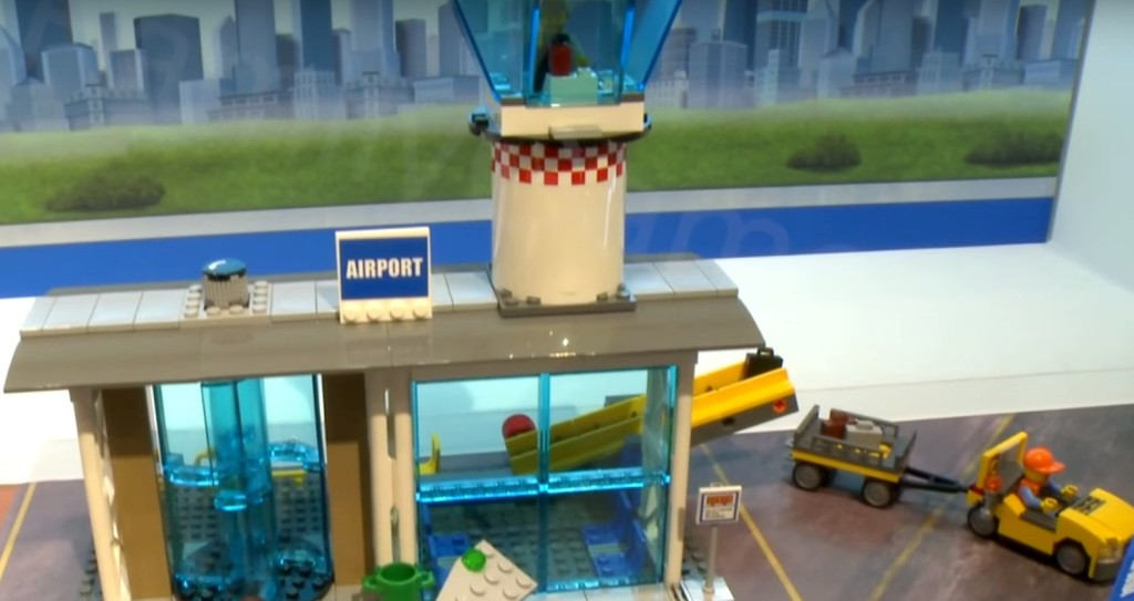 Lego-60104-Airport-Passenger-Terminal-city-1