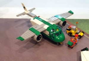 Lego-60101-Airport-Cargo-Plane-city-1