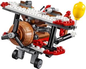 Lego-75822-Piggy-Plane-Attack-angry-birds-2