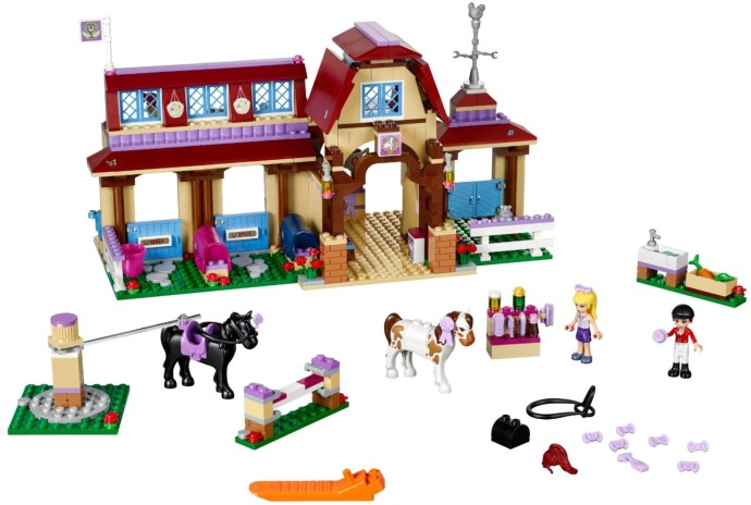 Lego-41126-Heartlake-Riding-Club-friends-2