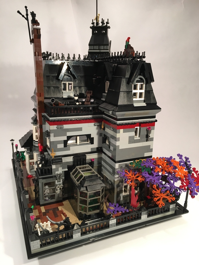 Lego Ideas Addams Family Mansion Reaches 10 000 Votes