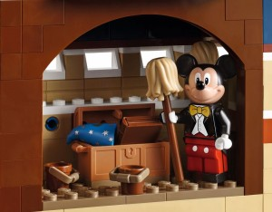 lego-71040-disney-castle-magic-5