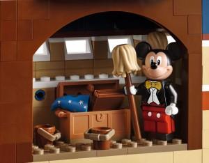 lego-71040-disney-castle-magic-5