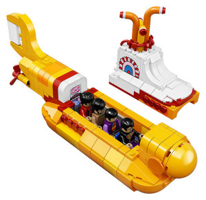 lego-21306-the-beatles-yellow-submarine-1