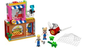 lego-harley-quinn-cafe-rescue-41231