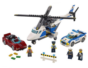 lego-city-police-high-speed-chase-60138-1