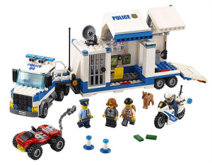 lego-city-police-mobile-command-center-60139-1