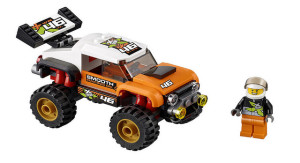 lego-city-stunt-truck-60146-1