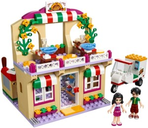 lego-41311-Heartlake Pizzeria-friends
