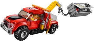 Lego-60137-Tow-Truck-Trouble-2