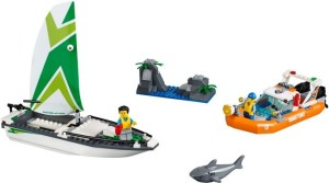 Lego-60168-Sailboat-Rescue-coast-guard-city