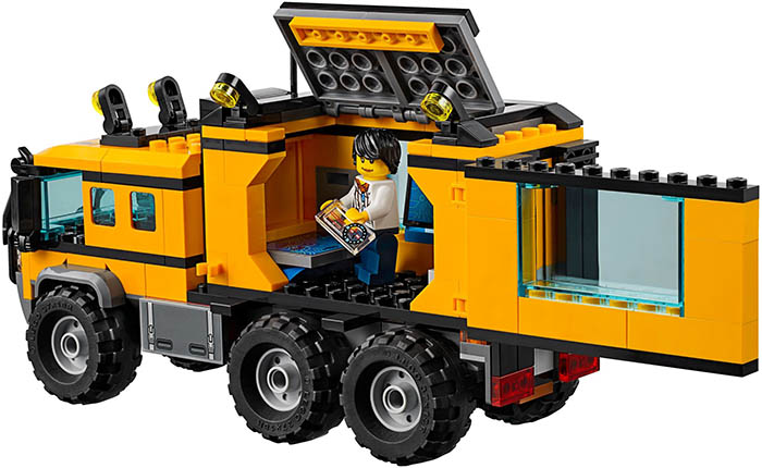 lego-60160-jungle-mobile-lab-2